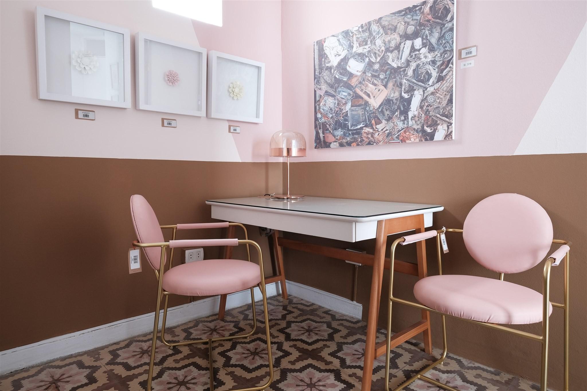 Diseño de escritorio rosado